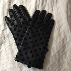 Preloved Black polka dot leather gloves!